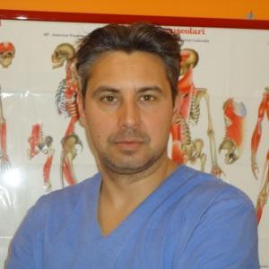 """<a href=""""/i-professionisti/riccardo-faccon""""><center>Dott. Riccardo Faccon</center></a>"""